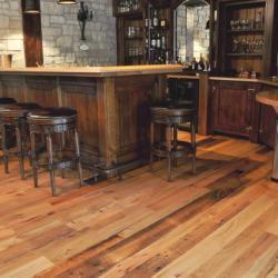 Vloer van verouderd hout