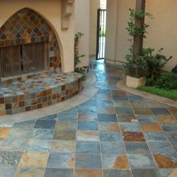 vloer van natuursteen: onderhoud en soorten natuursteen vloeren